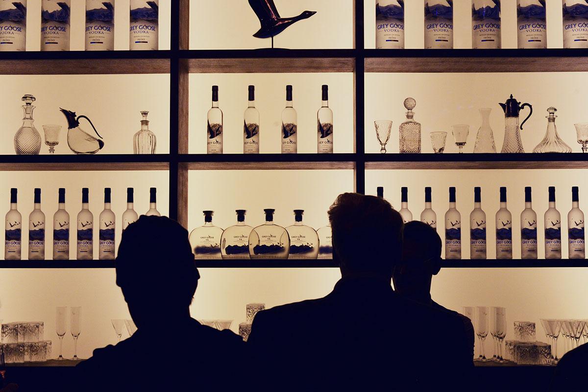 FLY BEYOND Bar