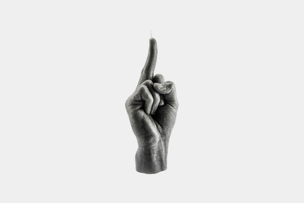 Für die Fuck-Off-Attitüde – die Mittelfinger-Kerze