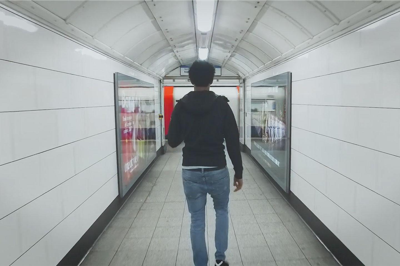 Die faszinierenden Tiefen der symmetrischen London Underground