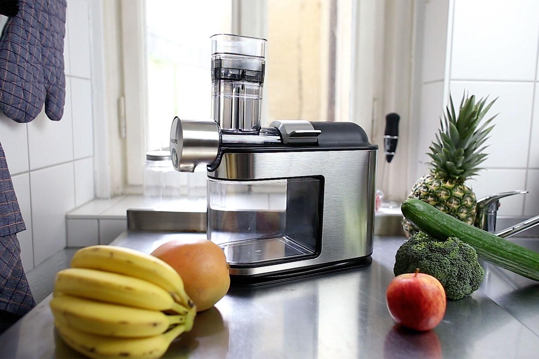 Wir machen Mandelmilch und testen den Philips Avance Slow Juicer