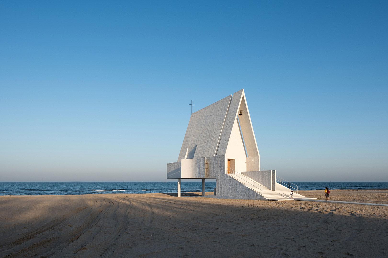 Die Kirche am Beach