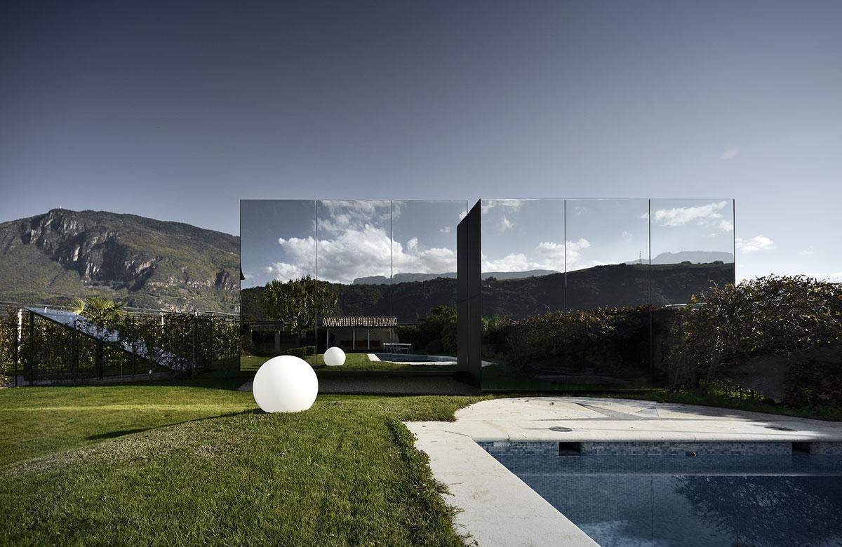 Mirror Houses #1