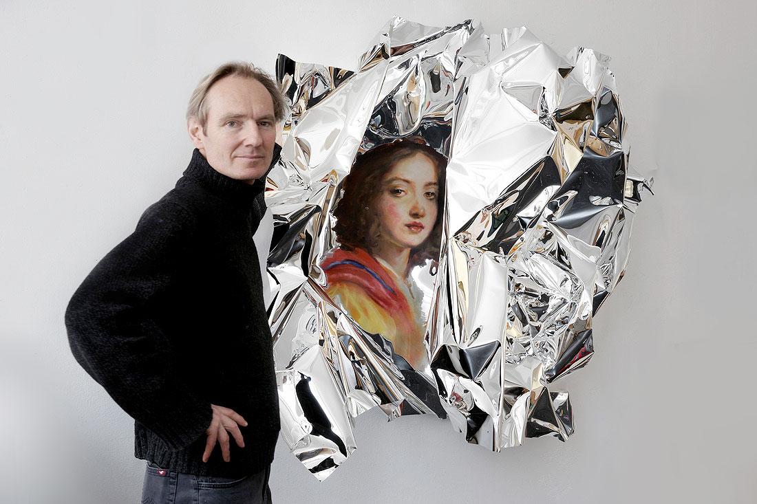 Kunst zum Einpacken – Martin C. Herbst malt Ölgemälde auf verspiegeltem Aluminiumblech