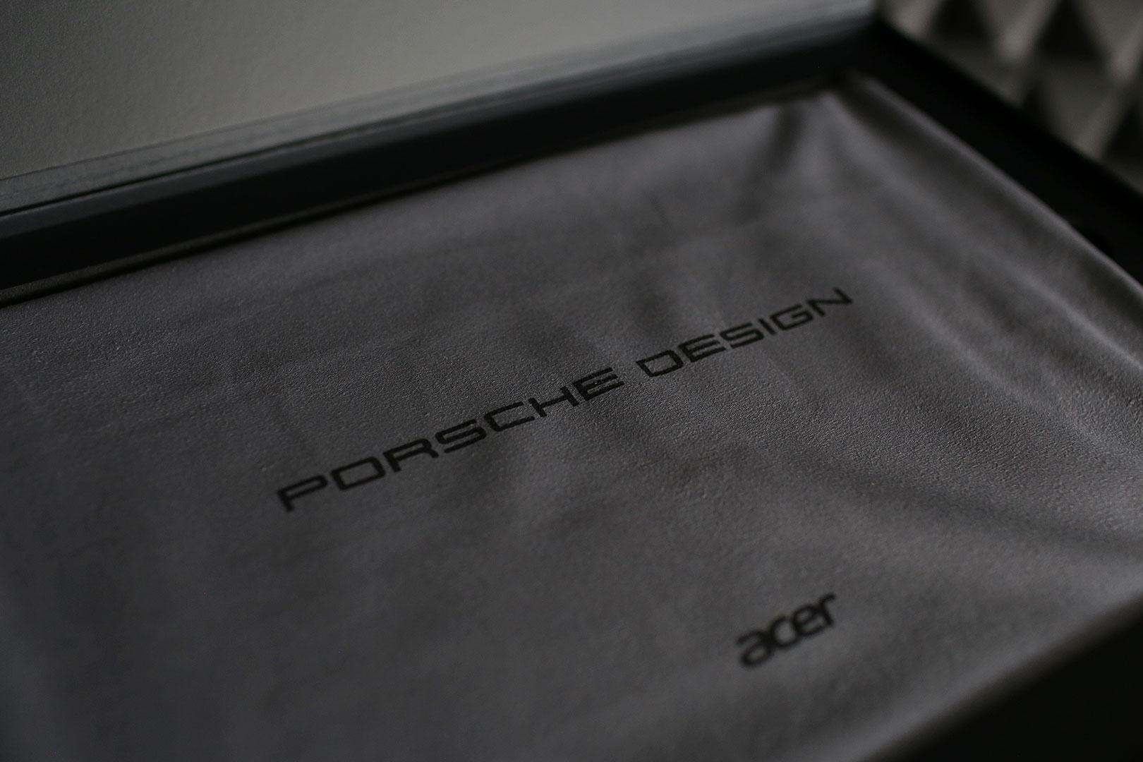 Das Porsche Design Acer Book RS
