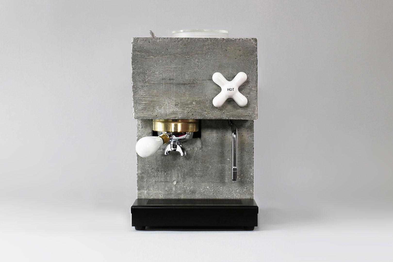 Kaffee für wahre Brutalisten – die Espressomaschine Anza aus Beton