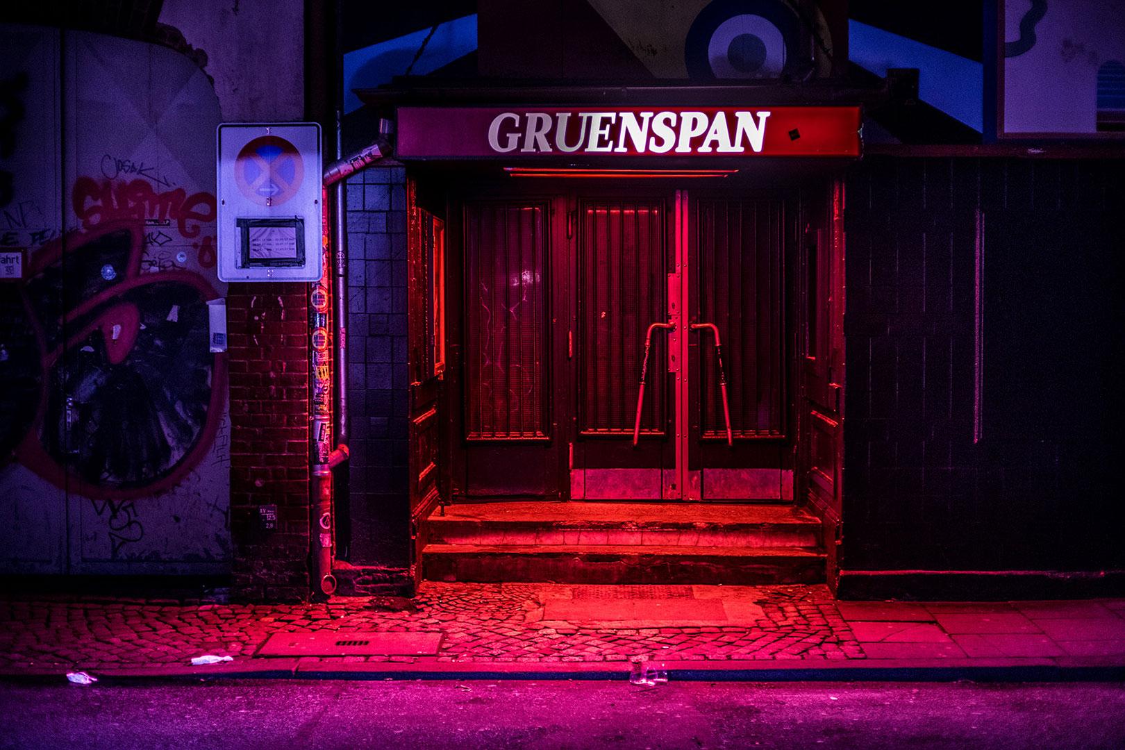 Die dunklen Stunden Hamburgs – Nacht und Neon im Norden