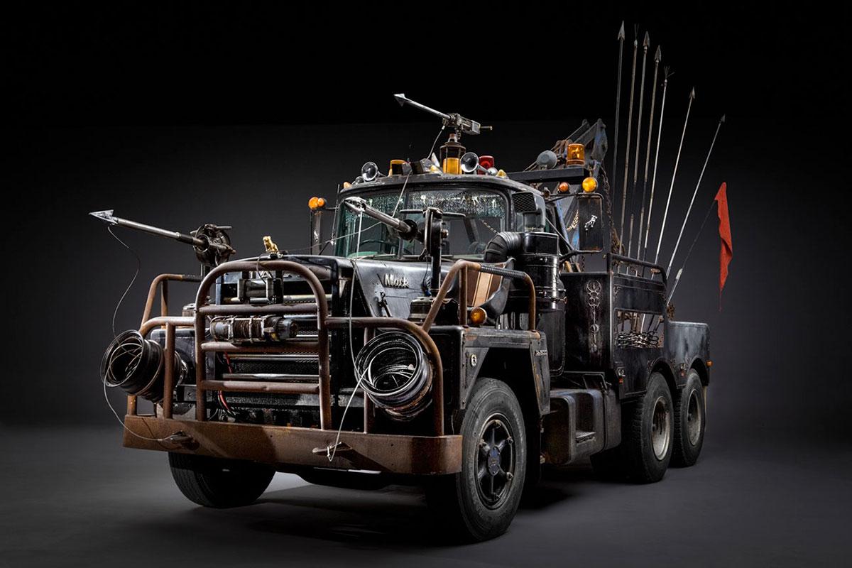 Die Fahrzeuge aus Mad Max Fury Road im Fotostudio