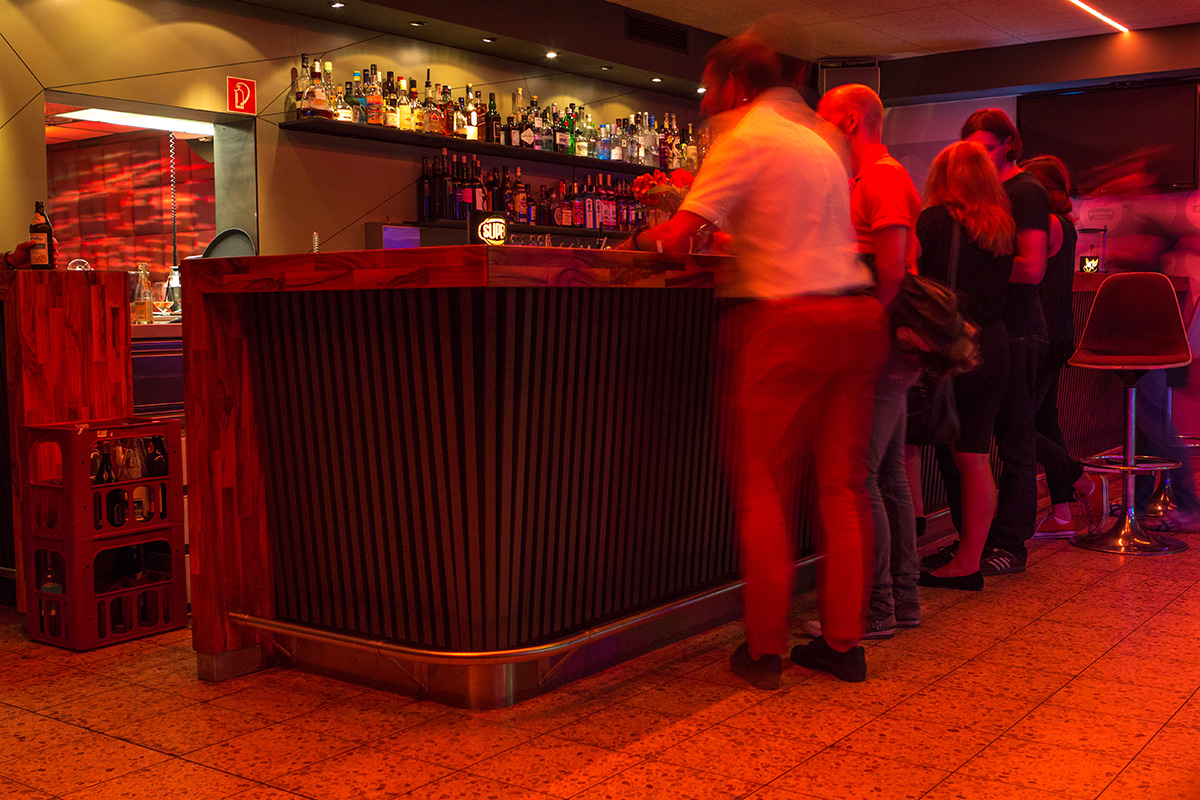 Vielfältige Bar