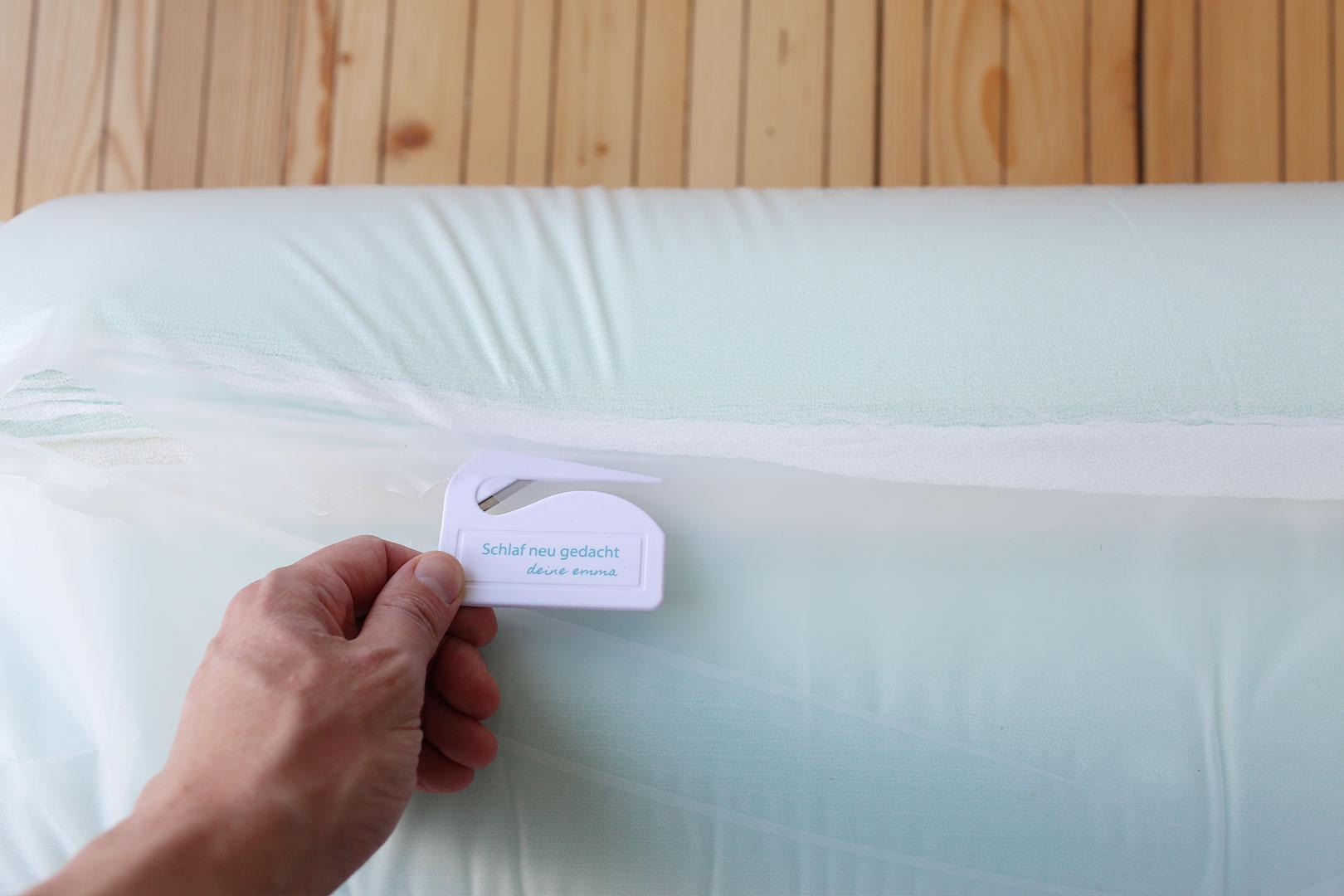 Öffnen der Matratze