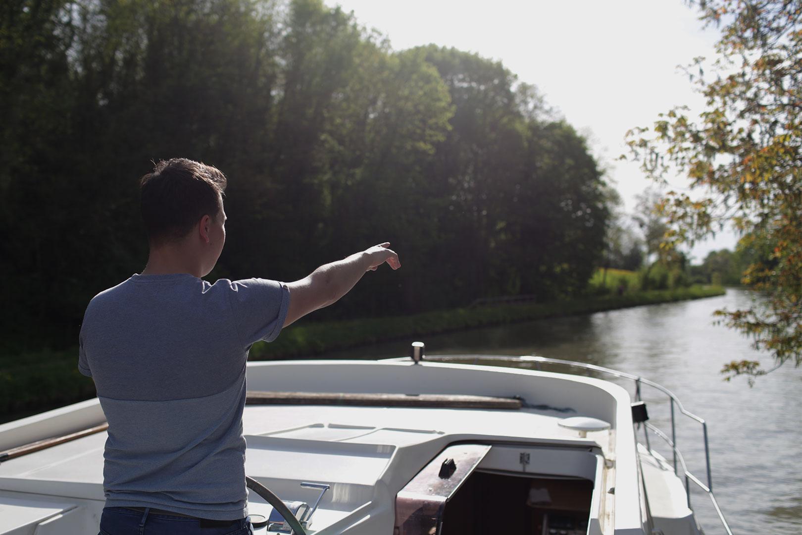Durch den Kanal schippern