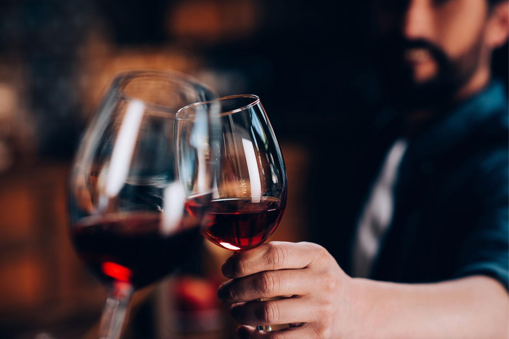 Sassicaia – der Wein mit goldenem Stern auf kobaltblauem Grund