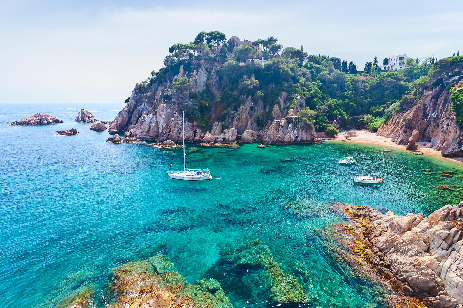 Spanien - ein ideales Land für Yachtcharter