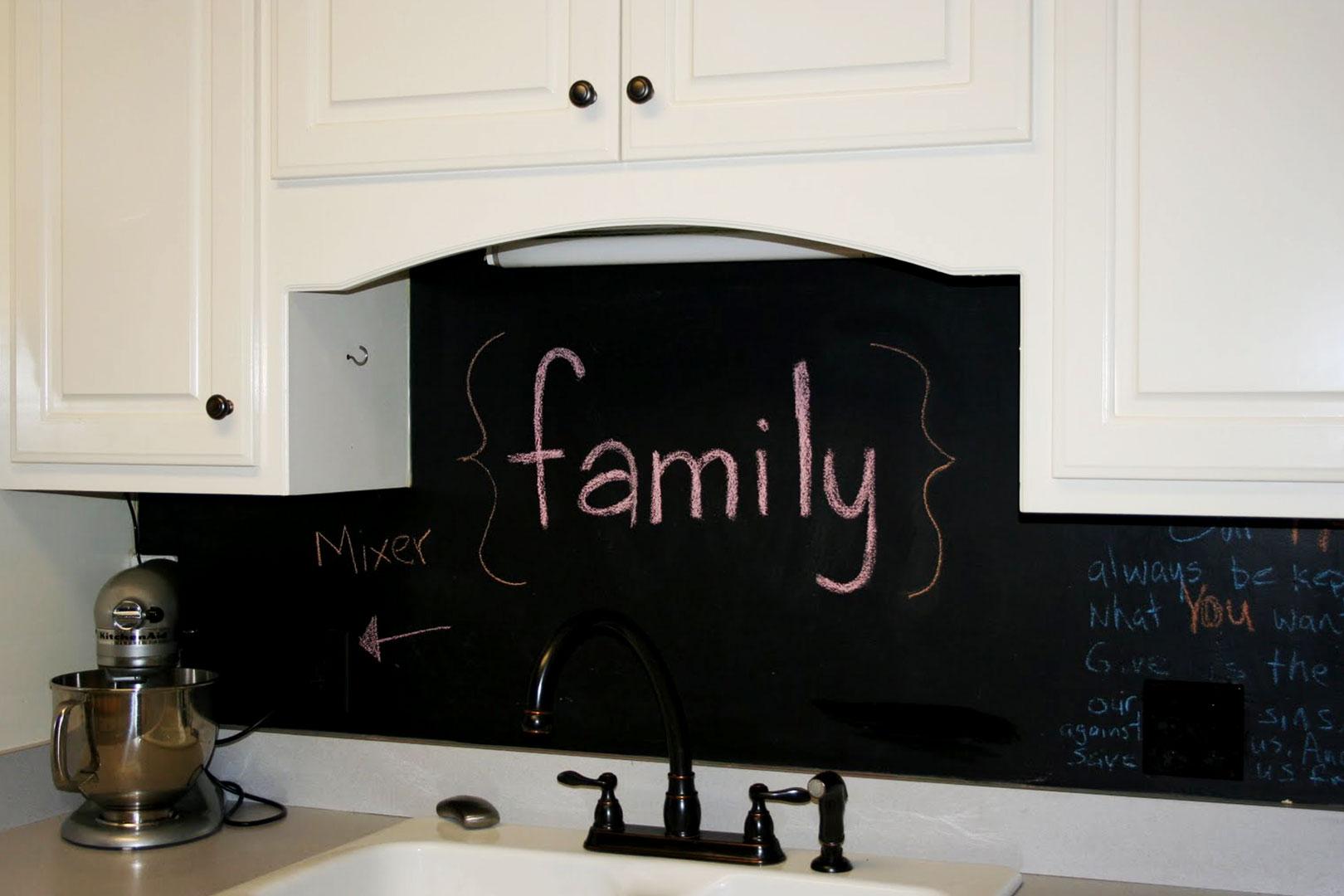 Mit Kunststoffplattenonline deine Küchenwand ganz individuell gestalten