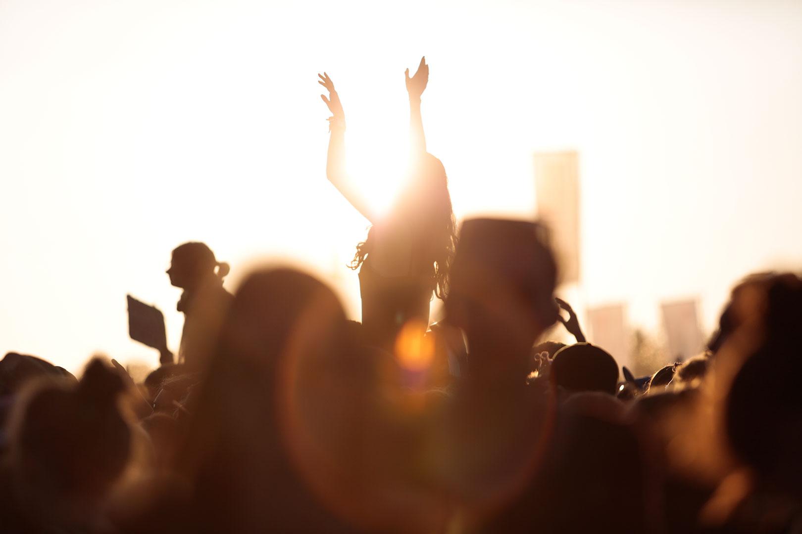 Nimm teil an der #feldtenzelten Festival Challenge