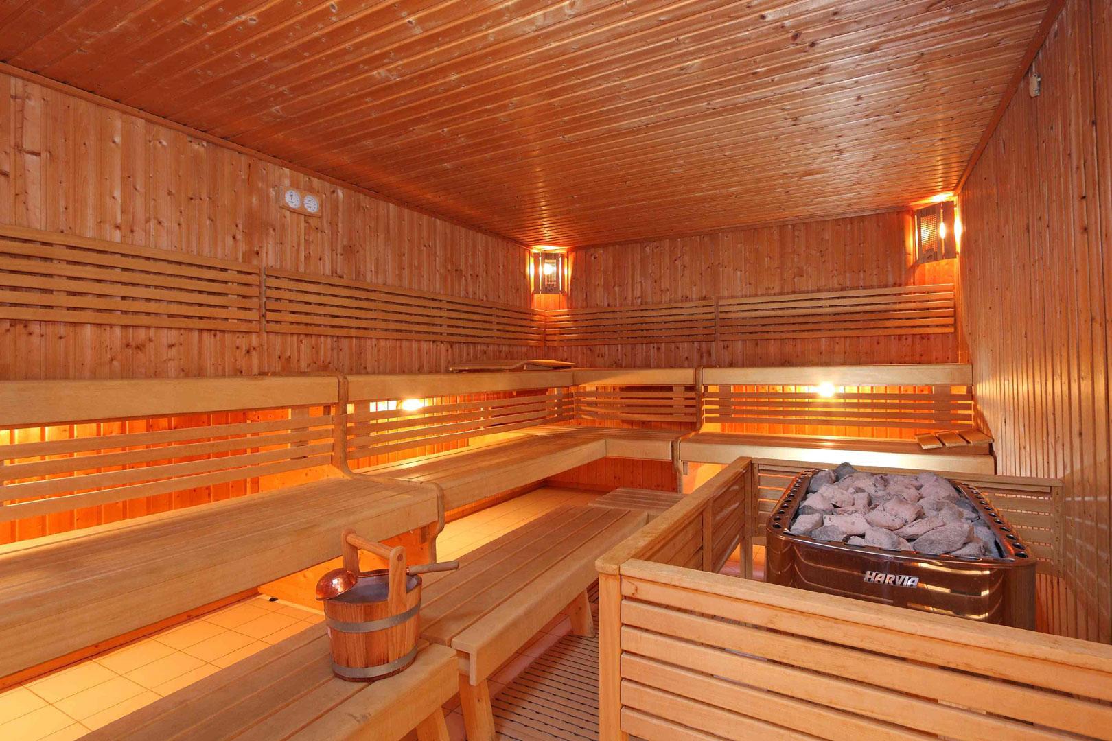 In der Sauna entspannen