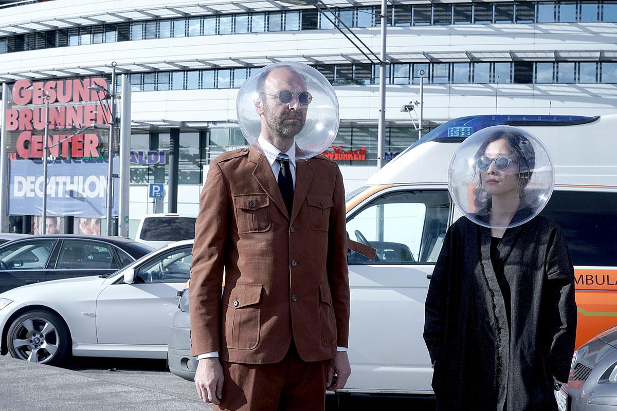 Was Sphäre wenn... futuristischer Corona Schutz aus Berlin